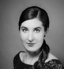 Viktoria McConnell - Mezzosopran